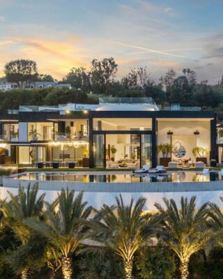We love the high windows and views of this unrivaled architectural masterpiece, Palazzo di Vista, set at the top of a Bel Air promontory.  777 Sarbonne Road, Bel Air | Listed by @aaronkirman Compass DRE #01527365